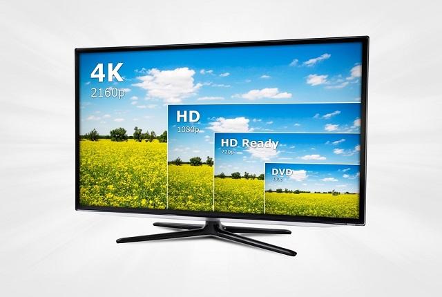 Flachbildschirm mit Vergleich der Auflösungen von DVD, HD ready, HD und 4k